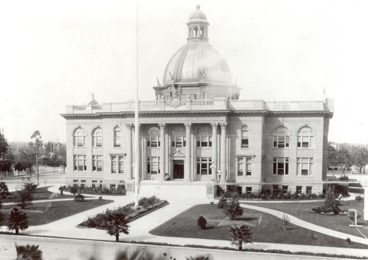 San Mateo County Courthouse exterior 1920 Redwood City Local History Room