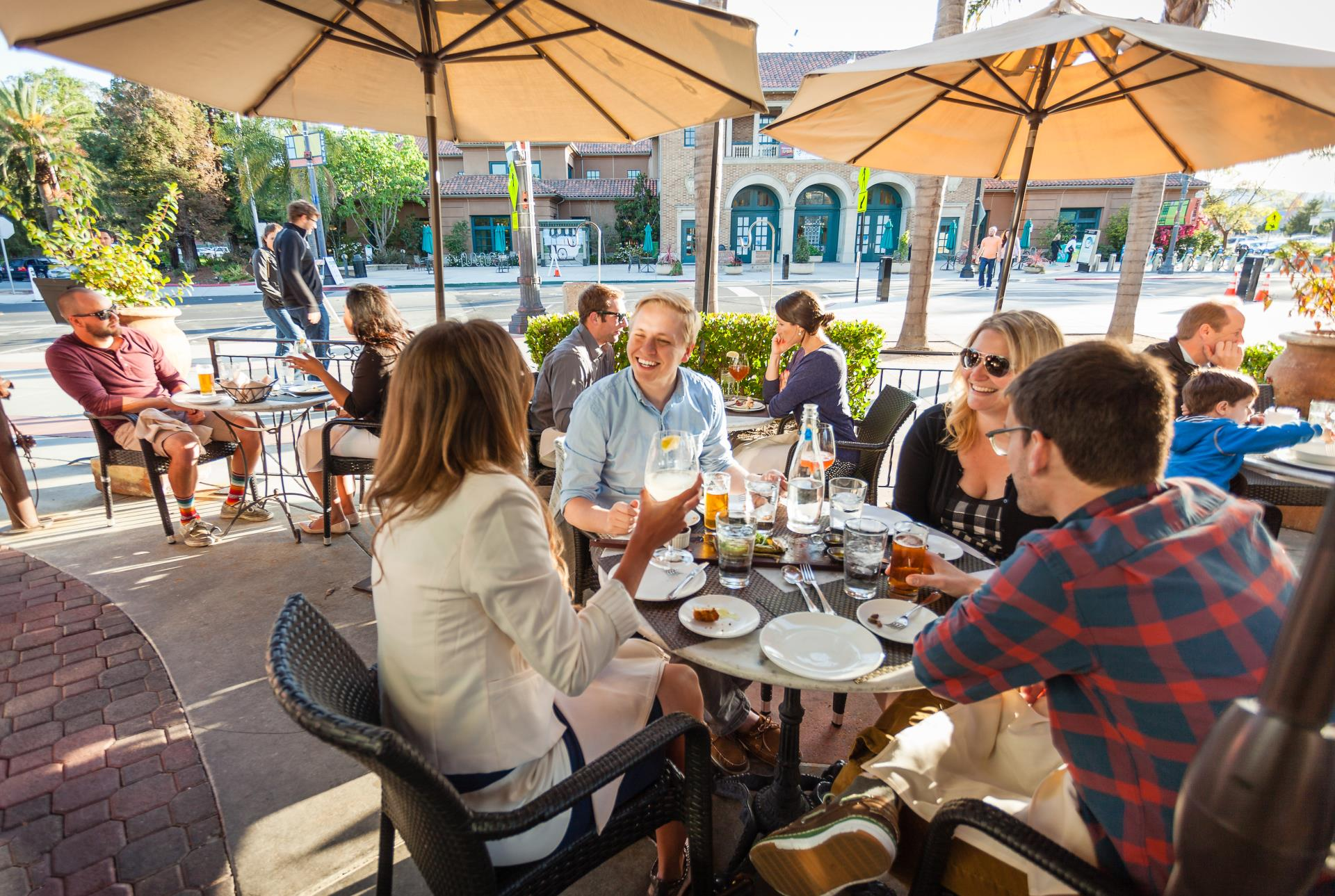 1504_RWC Downtown Dining_179