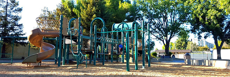 spinas playground